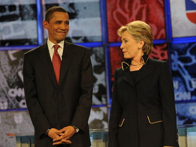 Jestli je Barack Obama nějak příbuzný s Hillary Clintonovou, se zatím nepodařilo zjistit.