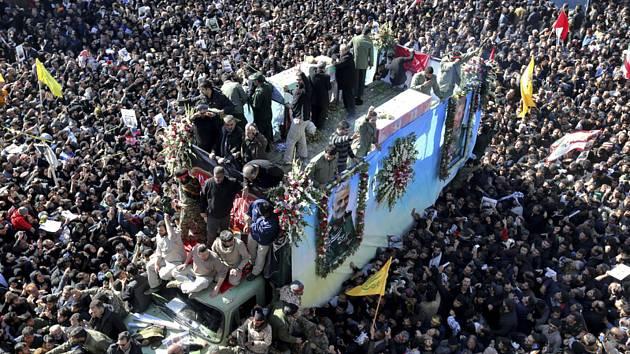 Pohřeb generála Kásema Solejmáního ve městě Kermánu