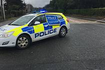 V Severním Irsku explodovala nálož v policejním autě