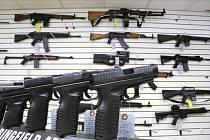 Prodej zbraní v USA. Ilustrační foto
