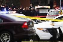 Nejméně devět zraněných, z toho jednoho v kritickém stavu, převezli dnes záchranáři do nemocnice z kampusu státní univerzity v Columbusu v americkém státě Ohio.