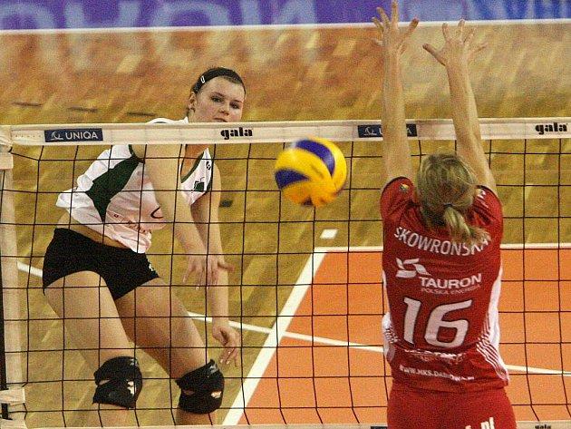 Volejbalistka Brna Straková (vlevo).