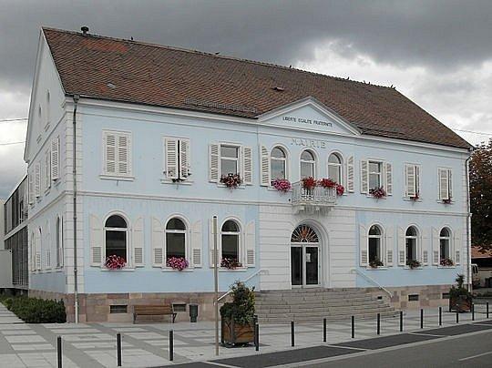 Yvan Keller se narodil v alsaském Wittenheimu, kde se usadili jeho rodiče, potulní výrobci proutěných košů