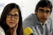 Režisérka filmu Duše Paula Giamattiho Sophie Bartes a kameraman Andrij Parekh na tiskové konferenci při 44. ročníku mezinárodního filmového festivalu, který 9. července sedmým dnem probíhal v Karlových Varech.