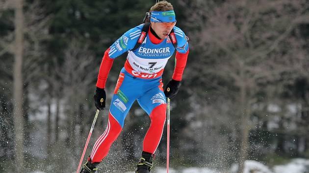 Anton Šipulin ve stíhacím závodu MS v Novém Městě na Moravě.