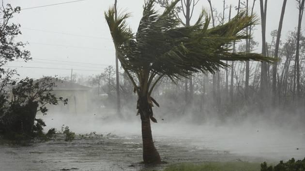 Hurikán Dorian ve městě Freeport na Bahamách