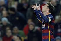 Kanonýr Barcelony Lionel Messi se raduje z gólu proti AS Řím.