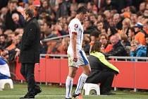 Marek Suchý viděl proti Nizozemsku červenou kartu a musel předčasně do sprch.