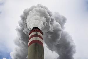 Kouřící komín, emise - ilustrační foto