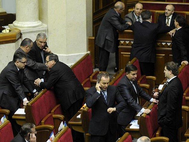 Ukrajinští poslanci.