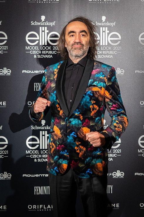 Finálový večer soutěže Schwarzkopf Elite Model Look 2021. Herec Jakub Kohák.
