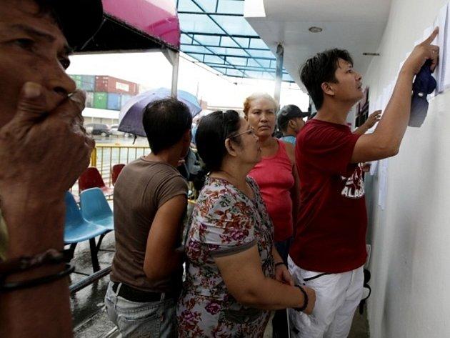 Oficiální počet obětí pátečního potopení trajektu u filipínského přístavního města Cebu se vyšplhal na 31 osob.