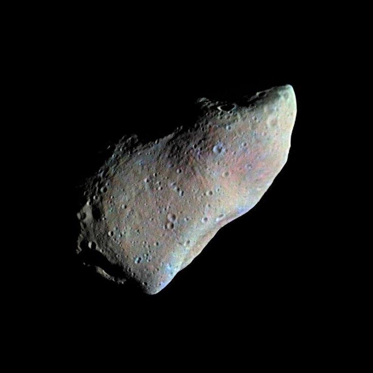 Planetka 951 Gaspra, patřící mezi planetesimály, na fotografii sondy Galileo