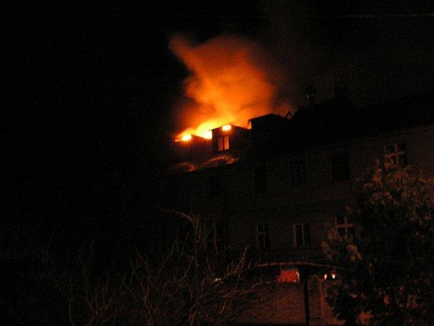 Požár hotelu v Řevnicích