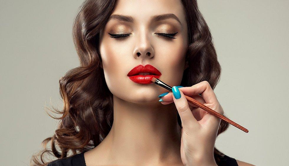 Pozor na některou kosmetiku, může obsahovat nebezpečné per- a polyfluoralkylové látky.