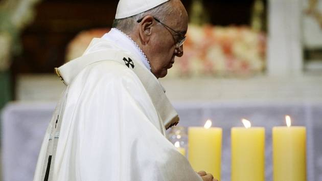 Papež František po více než třech desetiletích otevřel cestu k blahořečení salvadorského arcibiskupa, kterou dosud Vatikán považoval za tabu kvůli jeho marxistickým idejím.