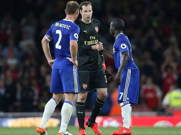 Petr Čech vychytal v dresu Arsenalu proti Chelsea čisté konto