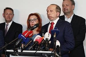 Představení nové politické strany Trikolora Václava Klause mladšího.