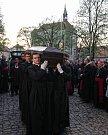 Převezení ostatků kardinála Josefa Berana do Strahovského kláštera.