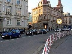 Křižovatka na Poděbradově náměstí.