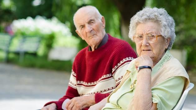 Evropská populace stárne. Brzy tak může být nedostatek lidí, kteří by o seniory pečovali…