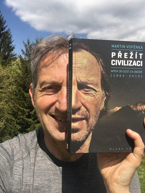 Martin Vopěnka je autorem dvou desítek knih pro dospělé i pro děti.