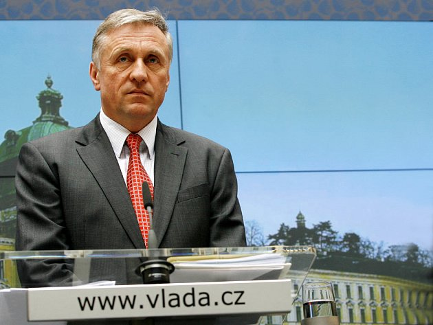 Mirek Topolánek obhájil svůj post premiéra.