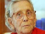 Stařenka v domově důchodců - ilustrační foto