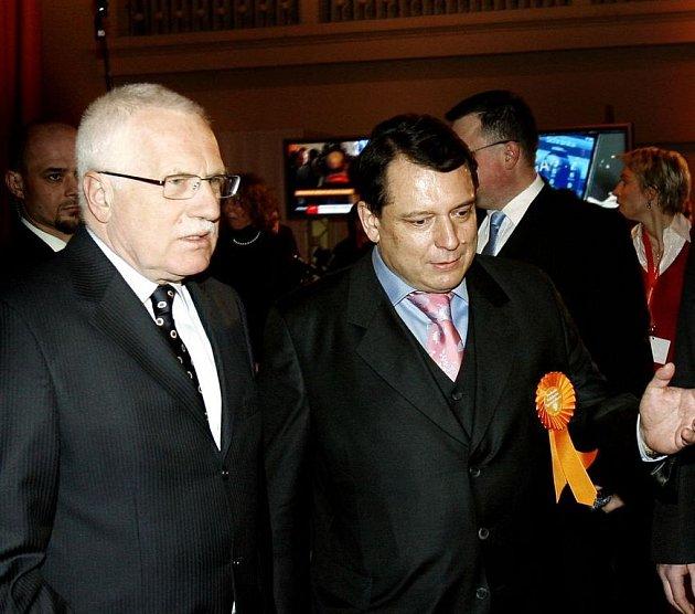 Václav Klaus a Jiří Paroubek na sjezdu ČSSD