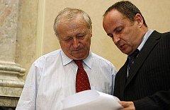 Ministři Eduard Janota a Vladimír Tošovský