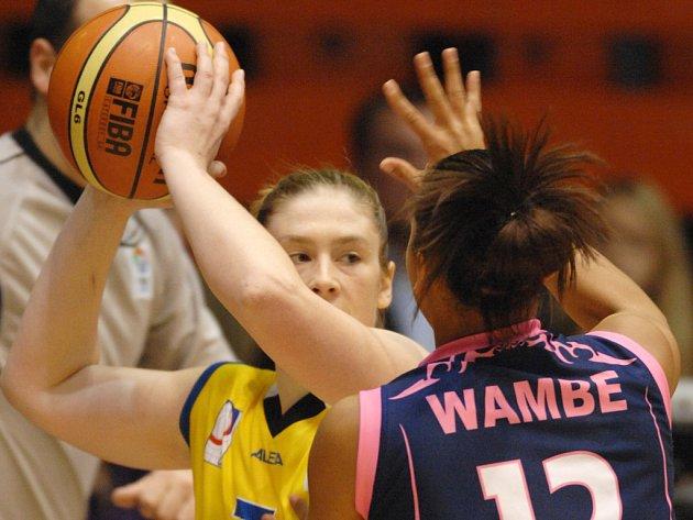 Basketbalistky USK Praha porazily belgický Hainault.