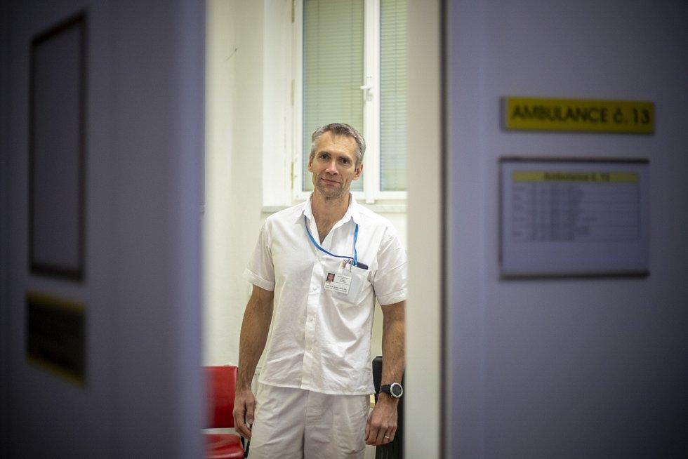 Ladislav Šenolt zaměřuje se na osteoartrózu a revmatoidní artritidu.