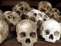 Vládu Rudých Khmérů doprovázelo masové vraždění. Behem pěti let zemřelo přes 1,7 milionu lidí