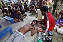 Barma odmítla, že by nesla vinu za stupňující se humanitární krizi v Bengálském zálivu, kde na lodích uvízly stovky uprchlíků.