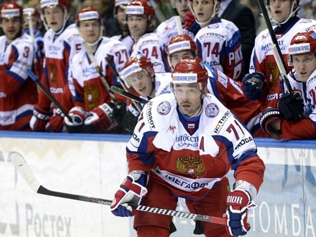 Hvězda ruského výběru Ilja Kovalčuk v zápase proti Švédsku.