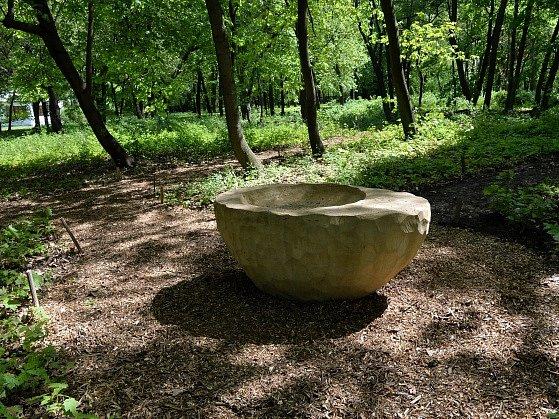 Přírodní pohřebiště Les vzpomínek v pražských Ďáblicích.