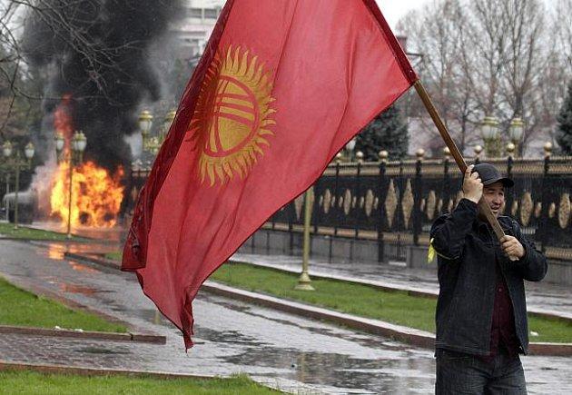 Vyhrocená situace v Kyrgyzstánu.