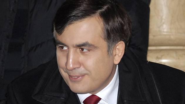 Přestože ještě není sčítání hlasů zcela u konce, nikdo nepochybuje, že vítězem gruzínských prezidentských voleb je Michail Saakašvili.