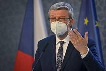 Ministr průmyslu a obchodu a ministr dopravy Karel Havlíček (za ANO).