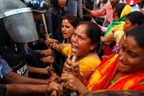 Ministerstvo zahraničí doporučilo českým občanům v Nepálu omezit pobyt v jižních oblastech Terai a vyhýbat se protestním shromážděním a místům s větším množstvím policistů nebo vojáků.