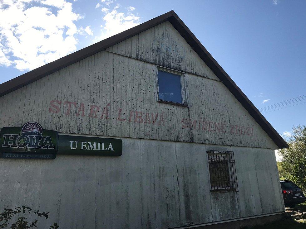 Obchod s potravinami a smíšeným zbožím v Norberčanech - Staré Libavé slouží jako chata.