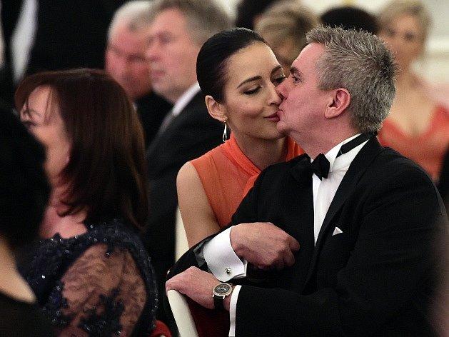 Vedoucí prezidentské kanceláře Vratislav Mynář s manželkou Alexandrou.