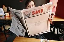 Noviny SME vyšly nedávno ve smuteční úpravě.