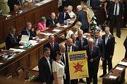 Jednání Poslanecké sněmovny o důvěře vlády.