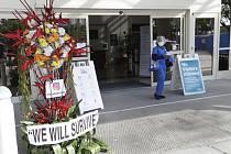 Květiny před nemocnicí v Miami