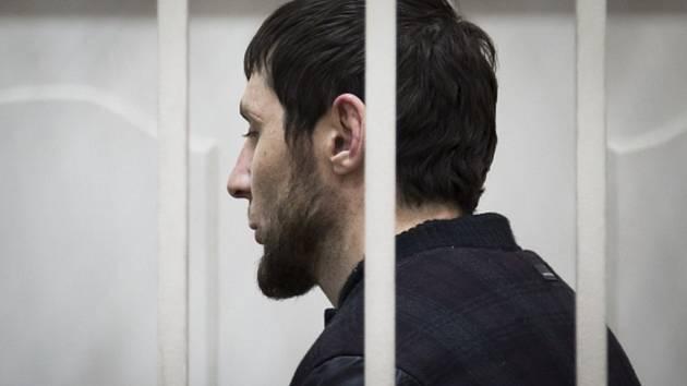 Zaur Dadajev, jeden ze zatčených v kauze Němcov, se podle podle ruské televize přiznal k účasti na vraždě opozičního ruského předáka a bývalého vicepremiéra Borise Němcova.