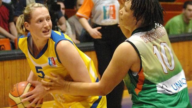 Basketbalistkám Brna zbývá k obhajobě titulu jediná výhra.