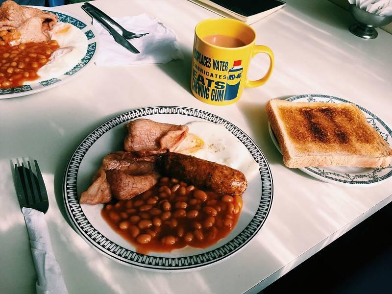 Jedna z variant typické anglické snídaně