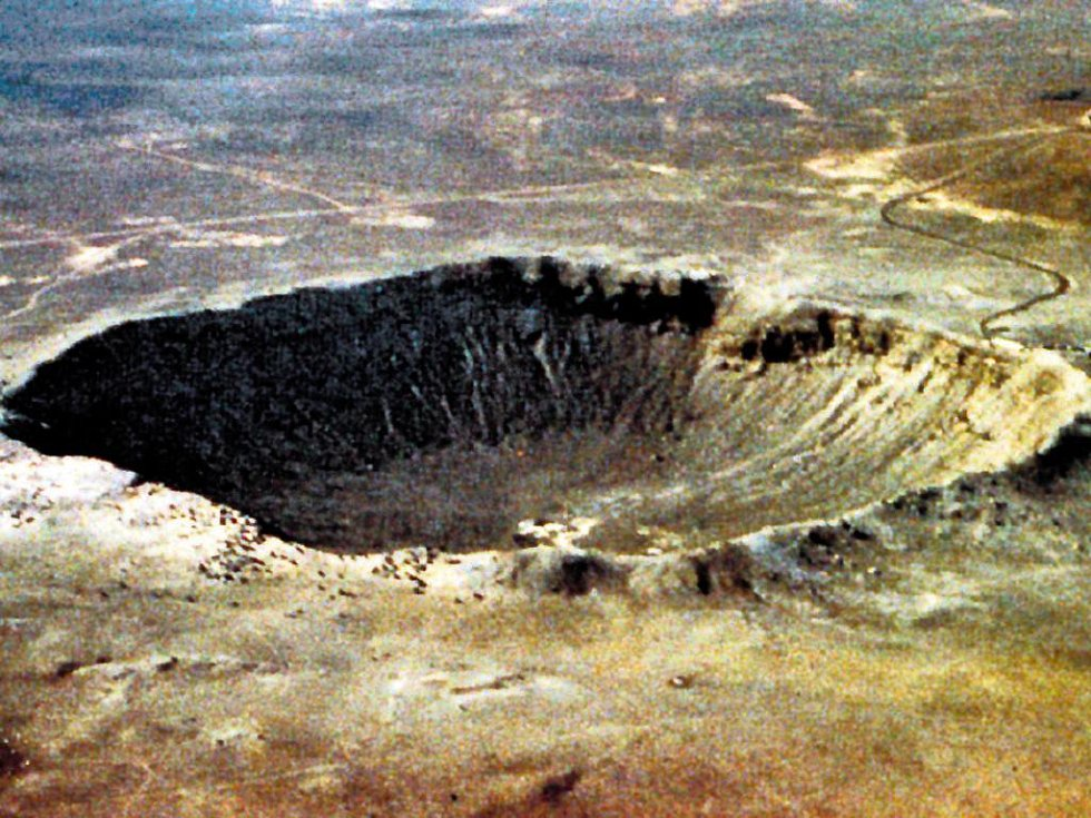 Tady dopadl asteroid. Meteorický kráter v Arizoně je dokladem, co těleso z vesmíru dokáže způsobit.