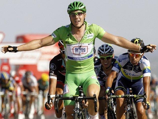 John Degenkolb se raduje z vítězství v sedmé etapě na slavné Vueltě.